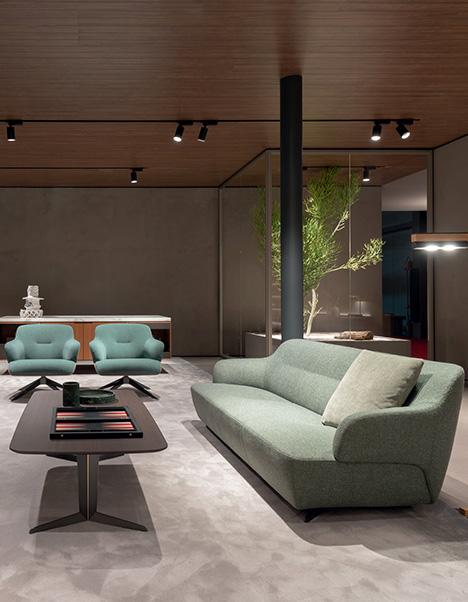 divani-poltrone-sedie-tavoli-zona-giorno-arredamento-showroom-lecce-brindisi-taranto